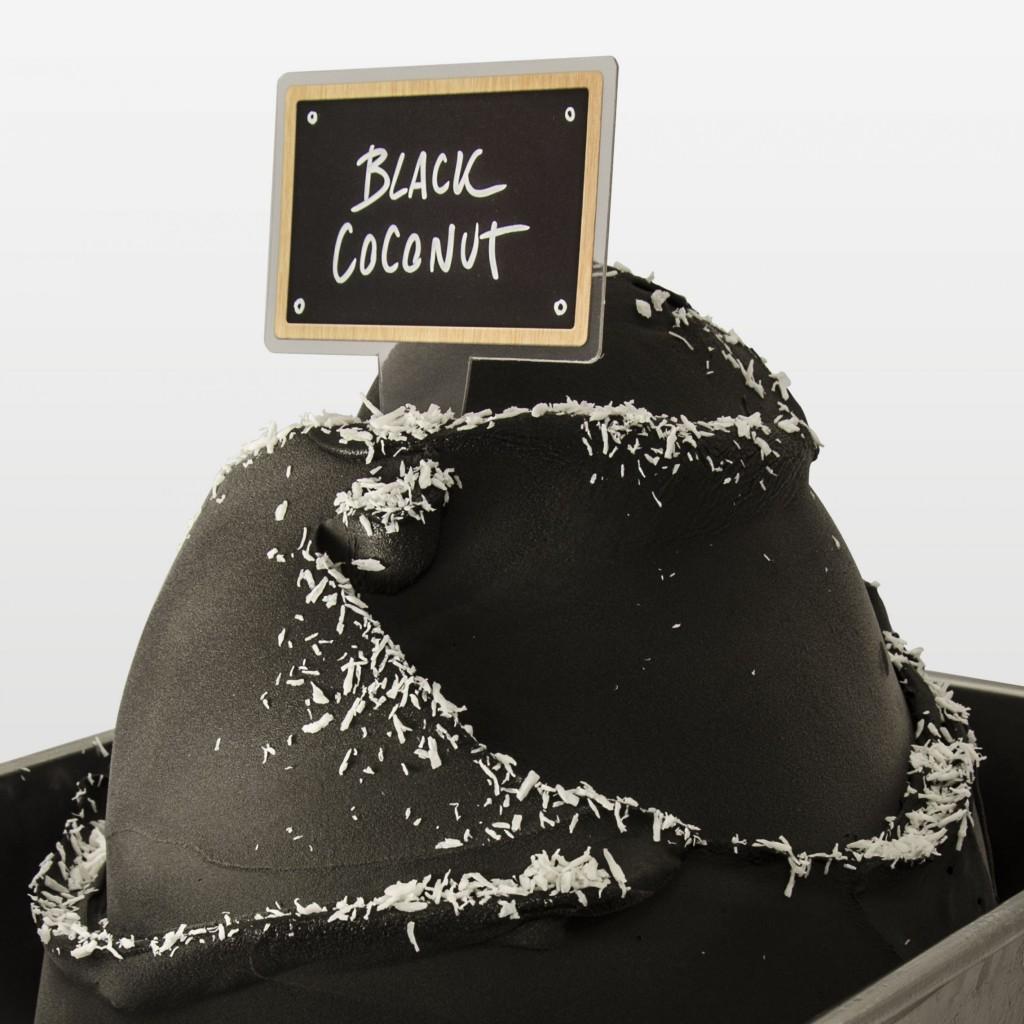 Naravno obarvan črni sladoled