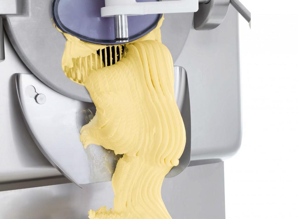 izmet sladoleda iz stroja