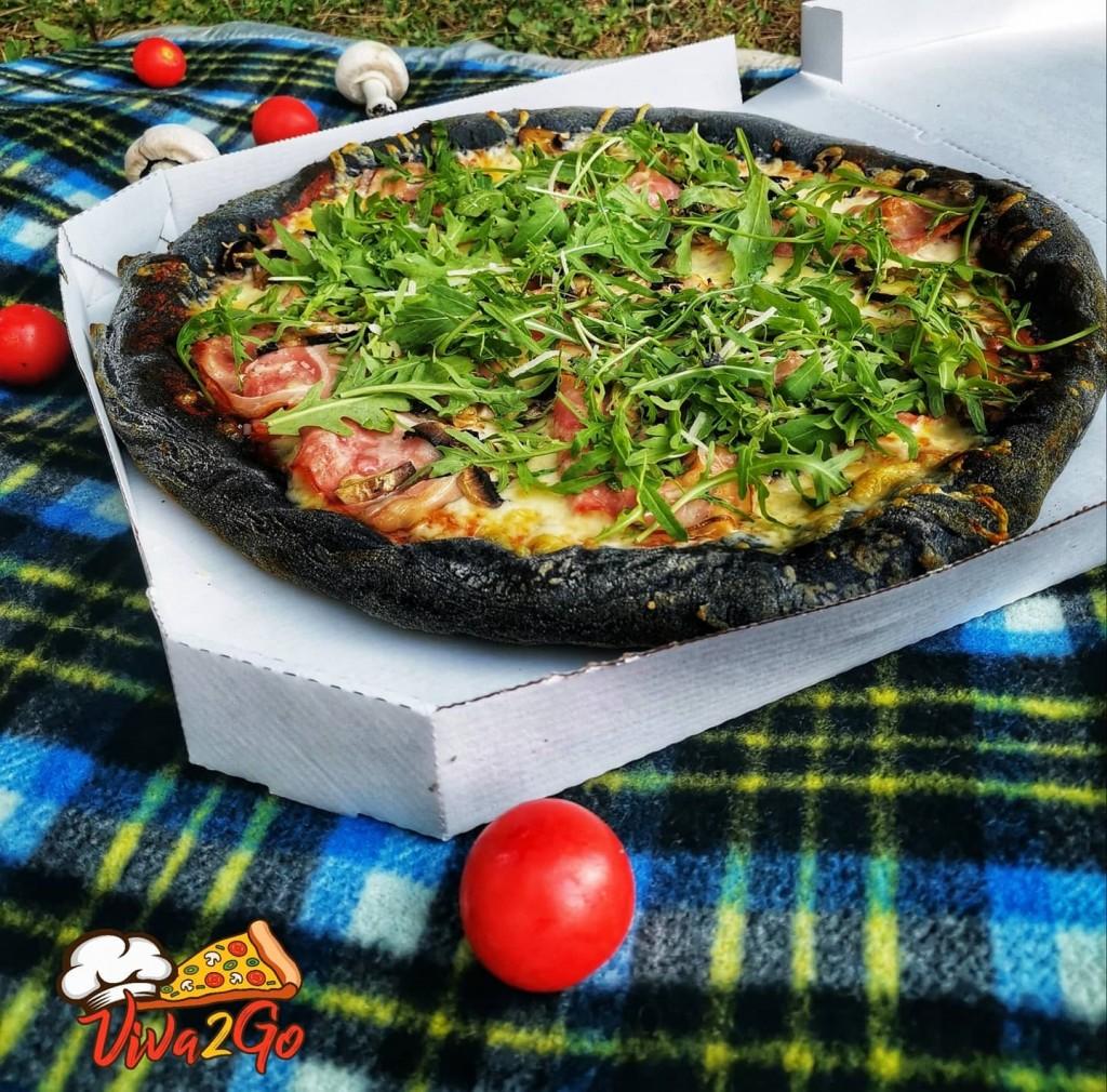 Pica iz jedilnega oglja