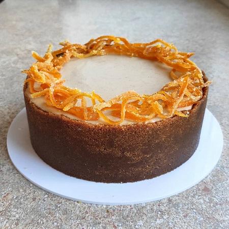 Kandirano sadje je odlično za dekoracijo torte.